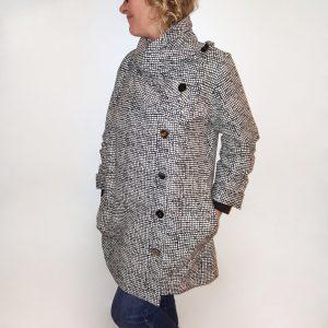 Beige black pleated collar jacket