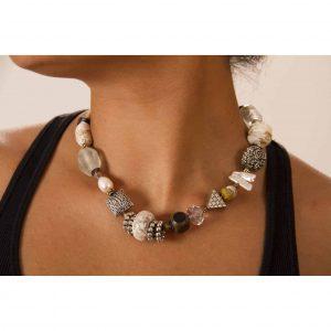 White turquoise short necklace